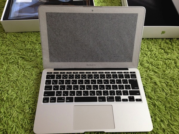 MacBookAirを開封