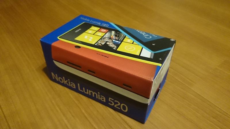 Lumia520の外箱