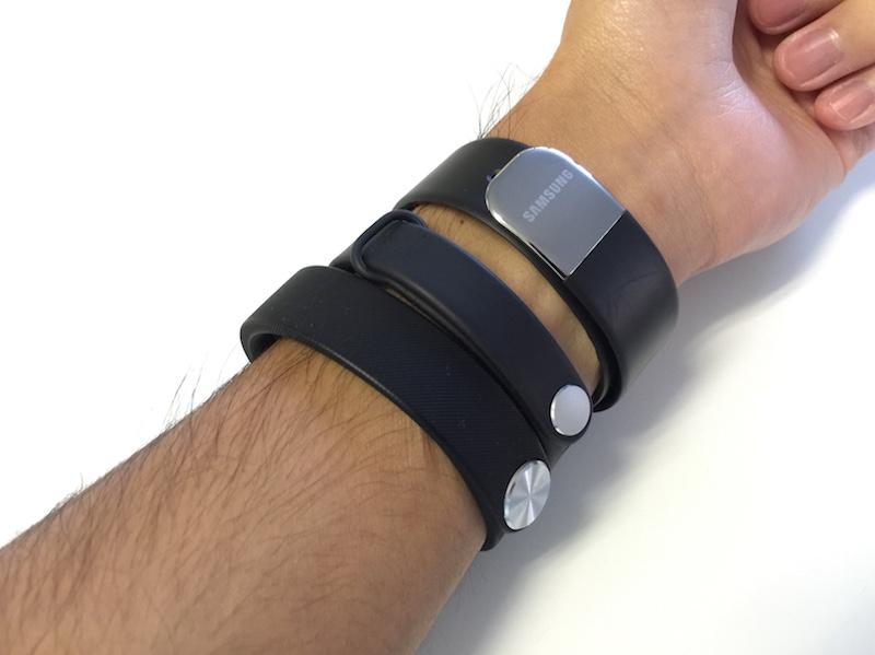 MiBandとその他もろもろを装着した手首