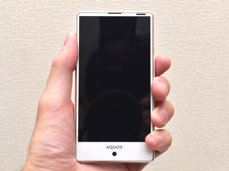 KDDI au SHARP AQUOS SERIE mini SHV33