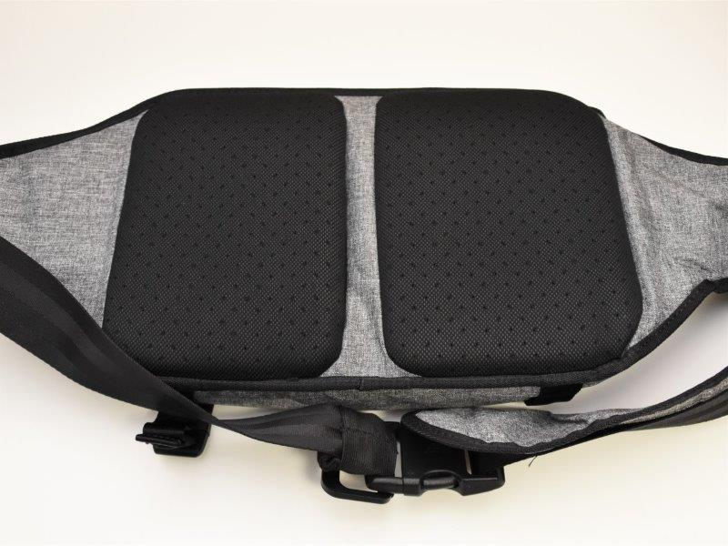 CL55575 Incase Sling pack