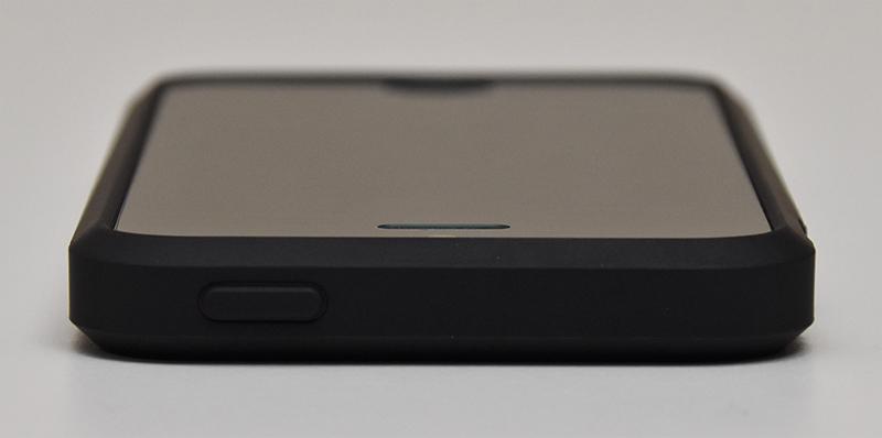 Spigen ラギッド・アーマー Apple iPhone SE