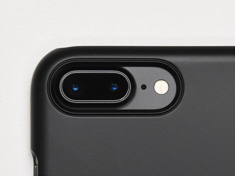 Spigen iPhone 7 Plus シン・フィット