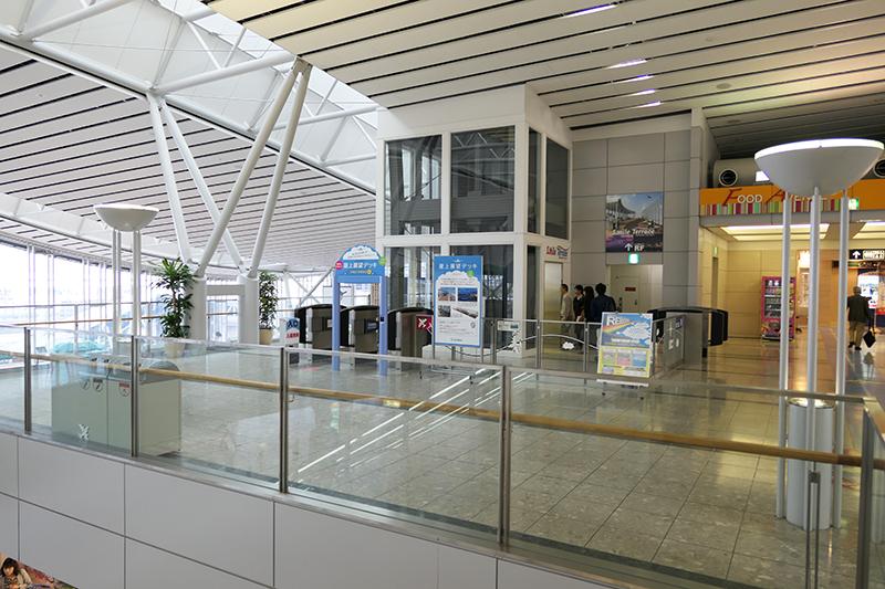 仙台国際空港の屋上展望デッキ