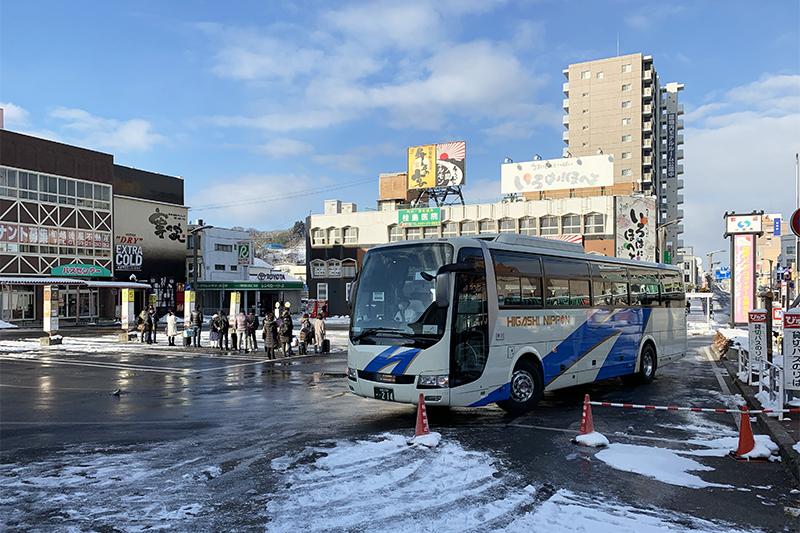 一ノ関駅前のバスおりば