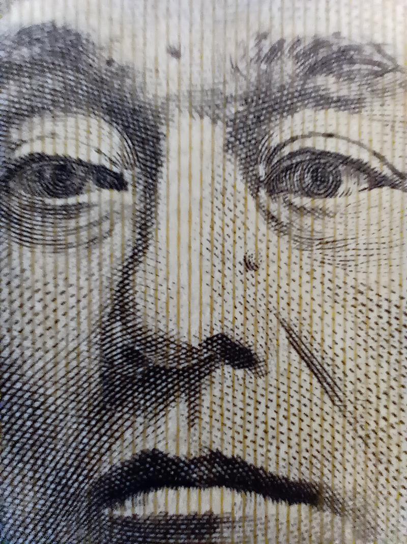 motorola one macroのマイクロカメラで撮影した1万円札